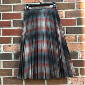 Vintage pleated plaid A-line skirt